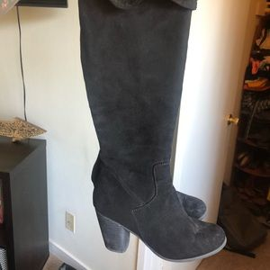 Shoes - Above the knee boots size 7